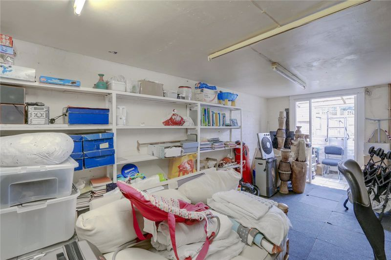 5 bed house for sale in Chetwode Drive  - Property Image 19