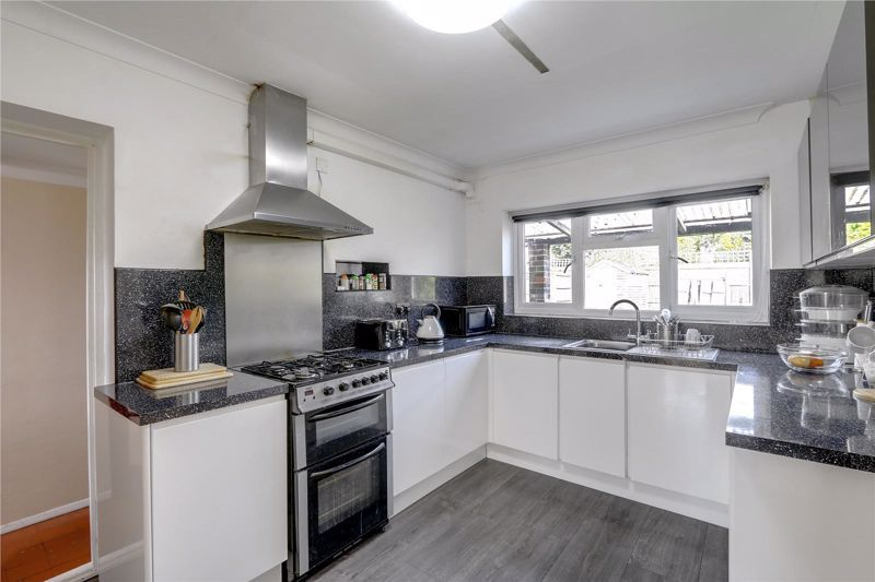 5 bed house for sale in Chetwode Drive  - Property Image 3