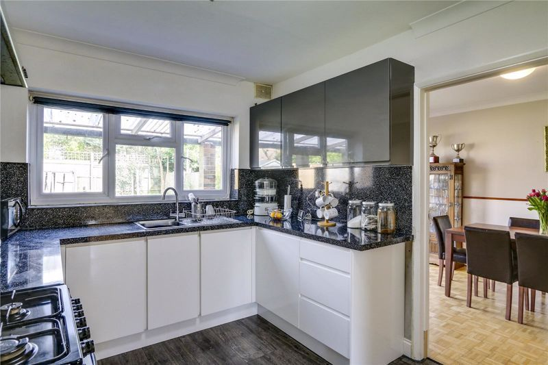 5 bed house for sale in Chetwode Drive 6