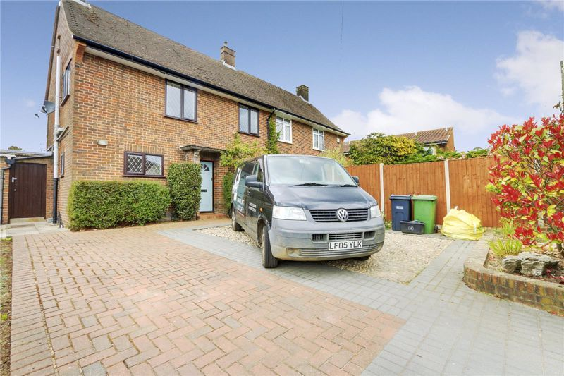 3 bed house to rent in Duncan Road, KT20