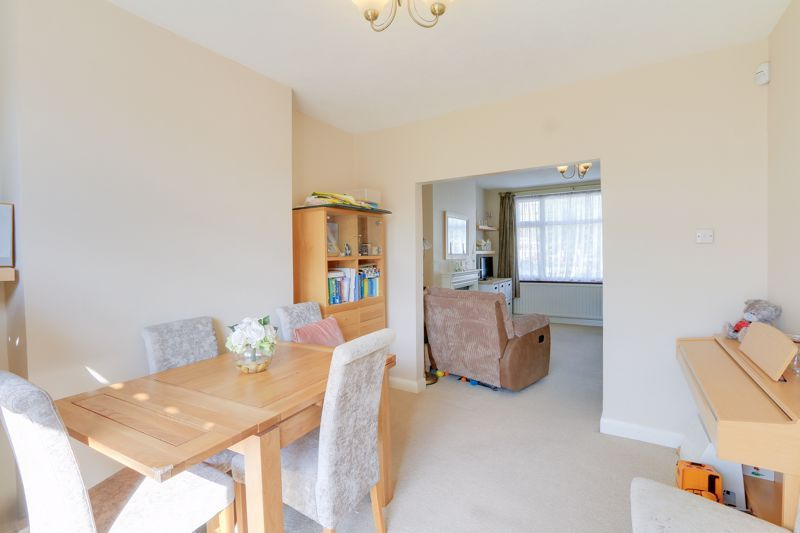 3 bed house for sale in Green Lanes 5