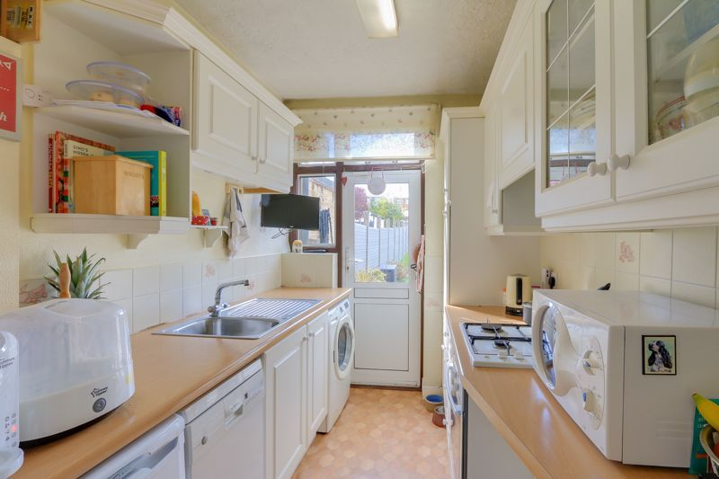 3 bed house for sale in Green Lanes 6