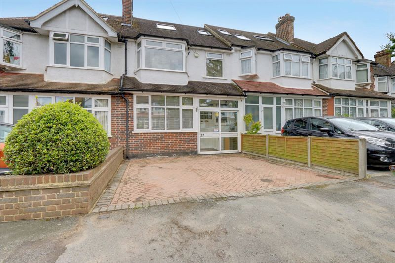 4 bed house for sale in Taunton Close, SM3