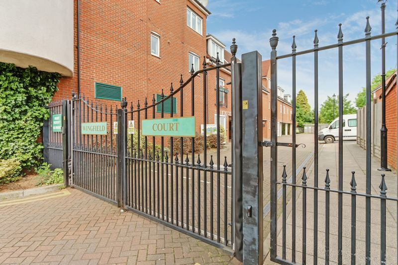 2 bed flat to rent in Wingfield Court 1