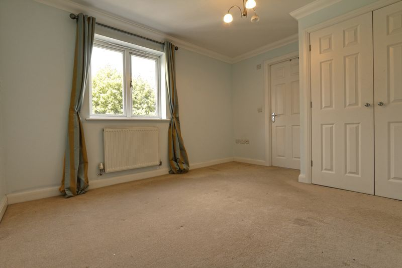 2 bed flat to rent in Wingfield Court 4