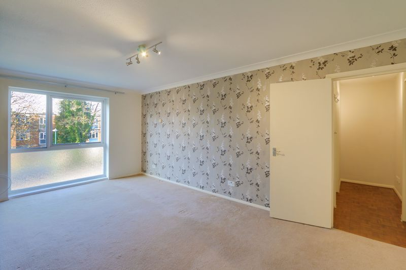 1 bed flat to rent in 45 Eaton Road 3