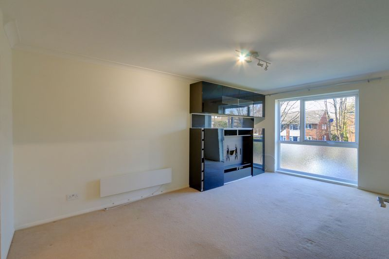 1 bed flat to rent in 45 Eaton Road 4
