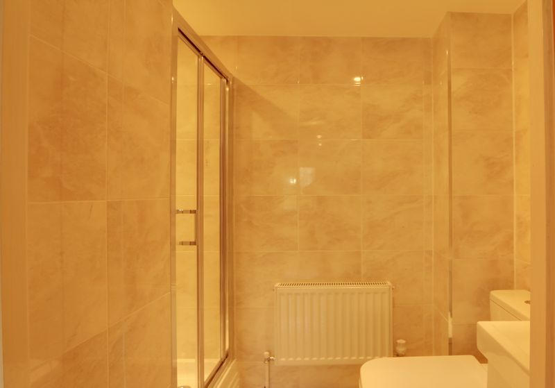 2 bed flat to rent in Maybury Court, Haling Park Road 5