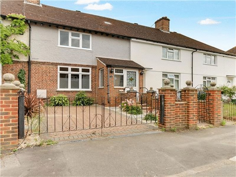 3 bed house to rent in Charter Road, KT1