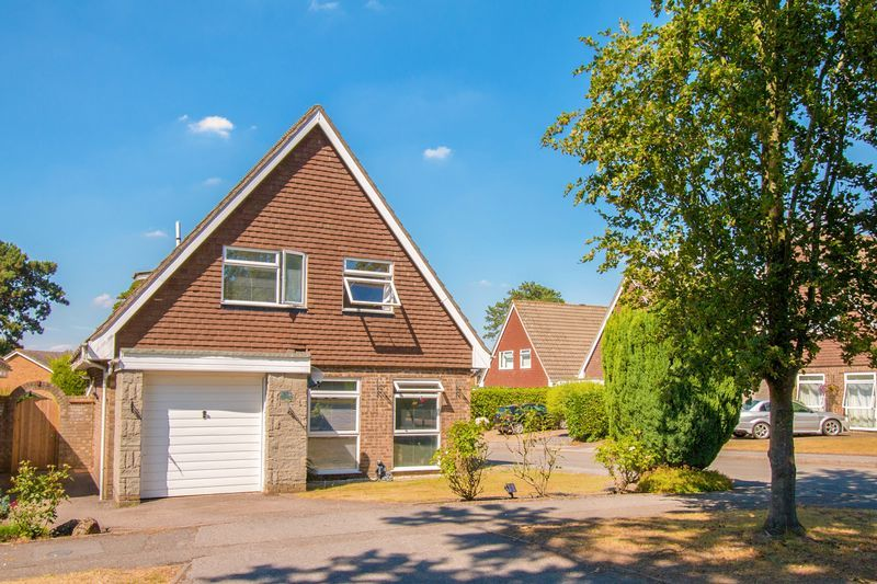 4 bed house for sale in High Beeches, SM7