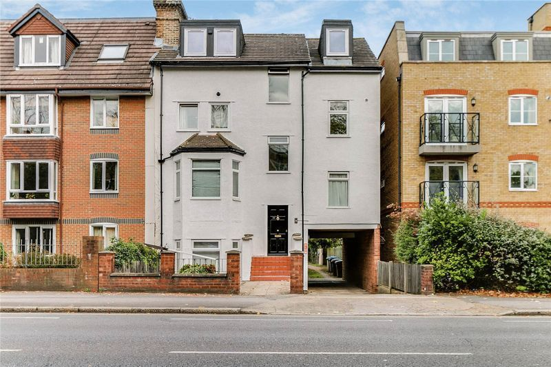 1 bed flat to rent in Kingston Road, KT3