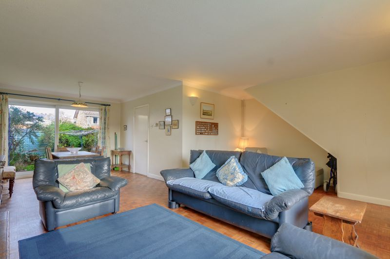 3 bed house for sale in Burnham Drive 1