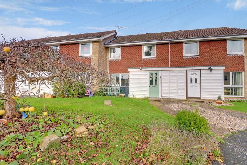 3 bed house for sale in Burnham Drive 2