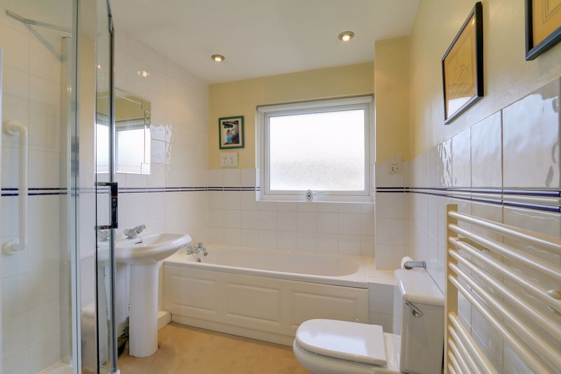 3 bed house for sale in Burnham Drive 14