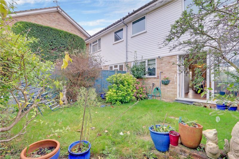 3 bed house for sale in Burnham Drive 19