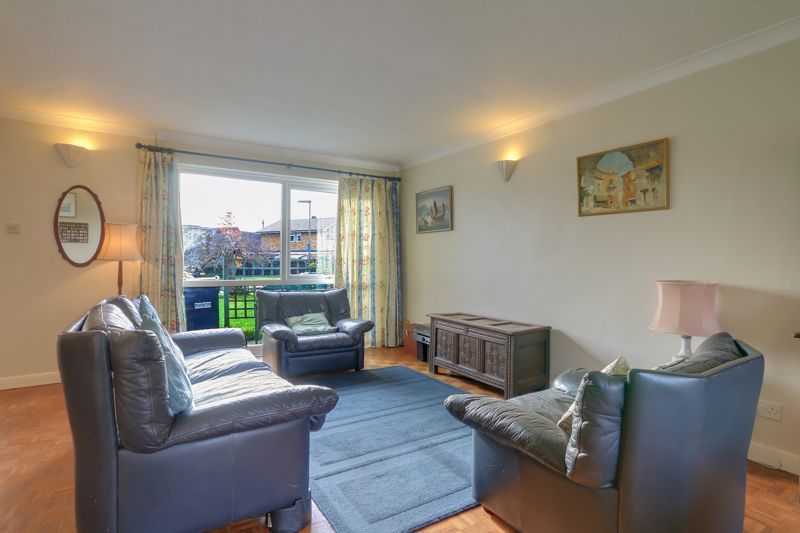 3 bed house for sale in Burnham Drive 4