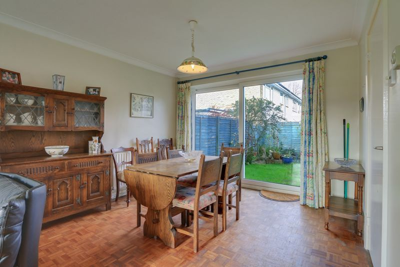 3 bed house for sale in Burnham Drive 5