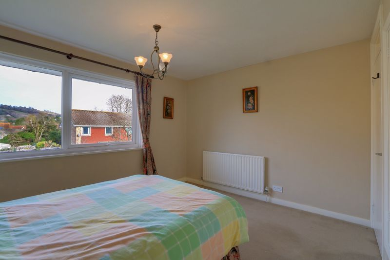 3 bed house for sale in Burnham Drive 9