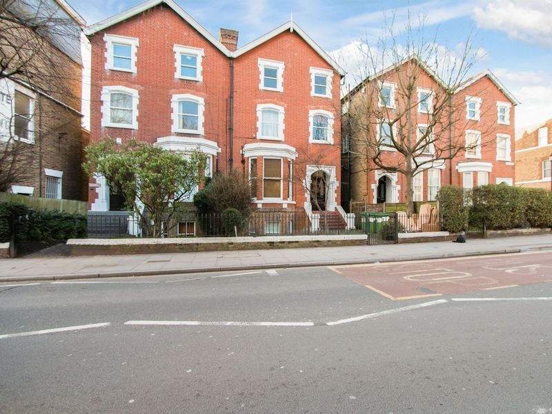 1 bed flat to rent in Ridgway, SW19