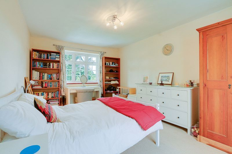 4 bed house for sale in Green Curve  - Property Image 14