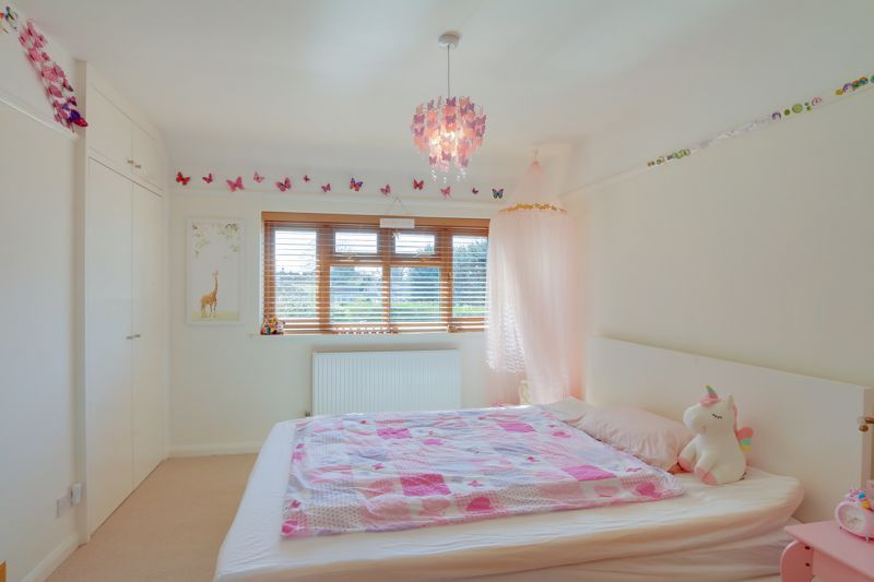 4 bed house for sale in Roundwood Way 12
