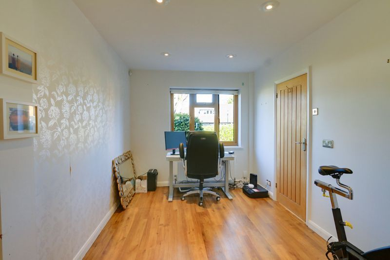 4 bed house for sale in Roundwood Way 18