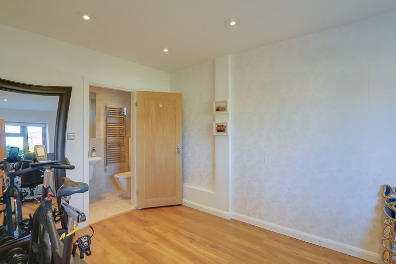 4 bed house for sale in Roundwood Way 19