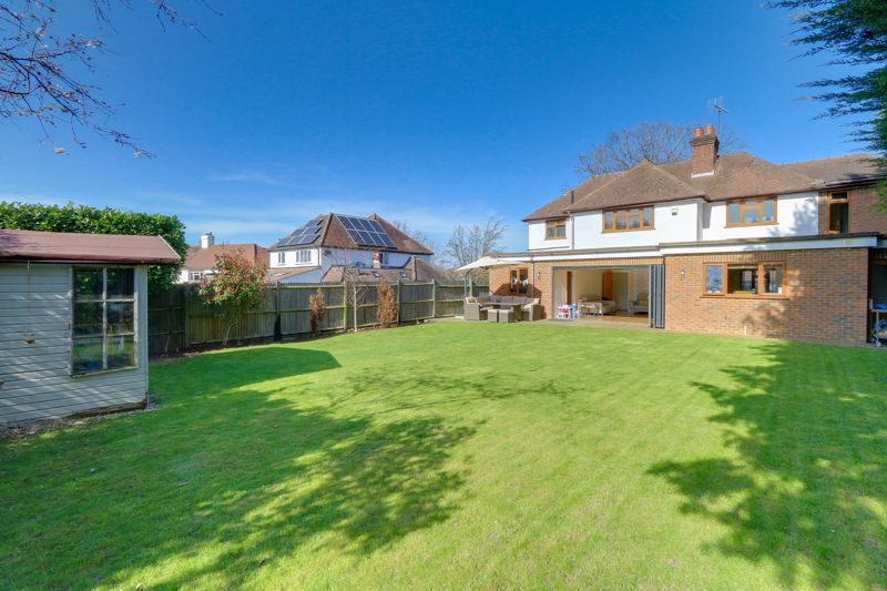 4 bed house for sale in Roundwood Way  - Property Image 23
