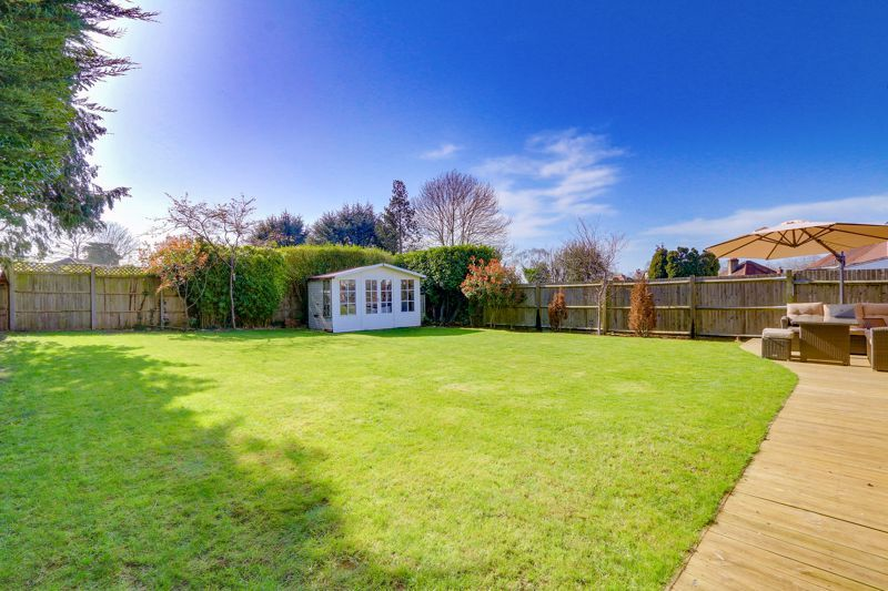 4 bed house for sale in Roundwood Way 24