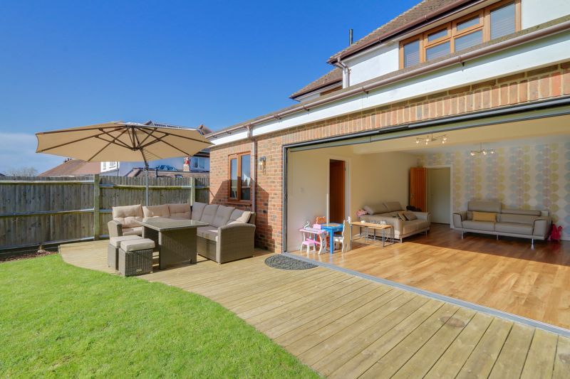 4 bed house for sale in Roundwood Way  - Property Image 25