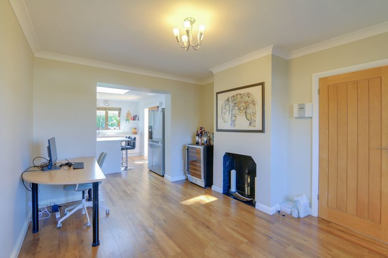 4 bed house for sale in Roundwood Way 6