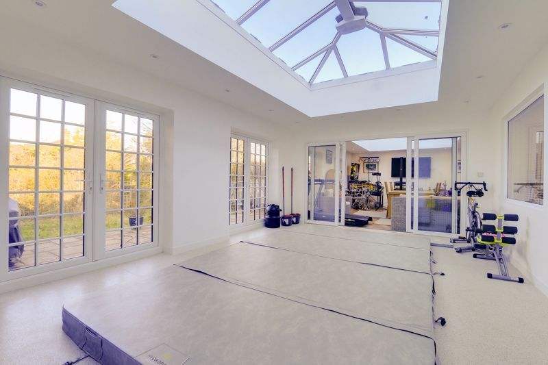 5 bed house for sale in Nork Way  - Property Image 11