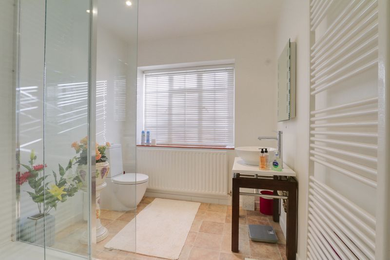 5 bed house for sale in Nork Way 12