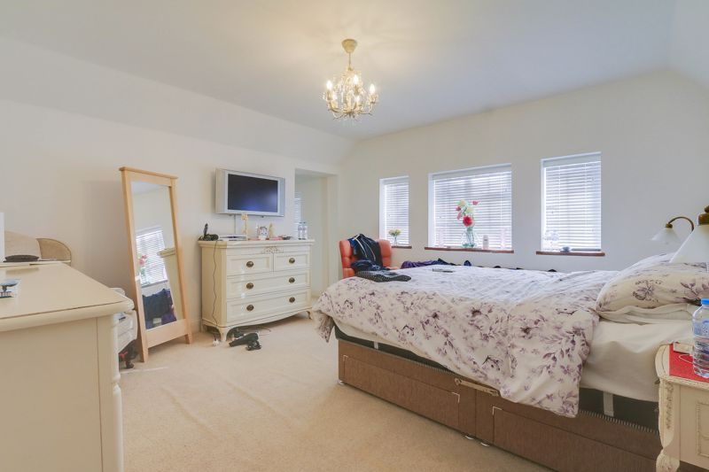 5 bed house for sale in Nork Way 13