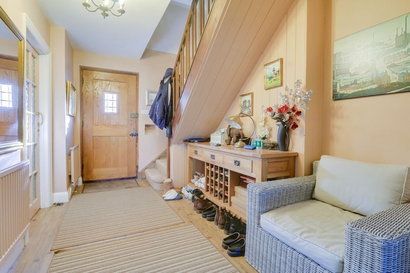 5 bed house for sale in Nork Way 23