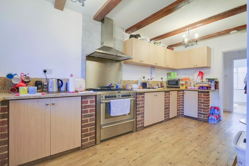 5 bed house for sale in Nork Way 8