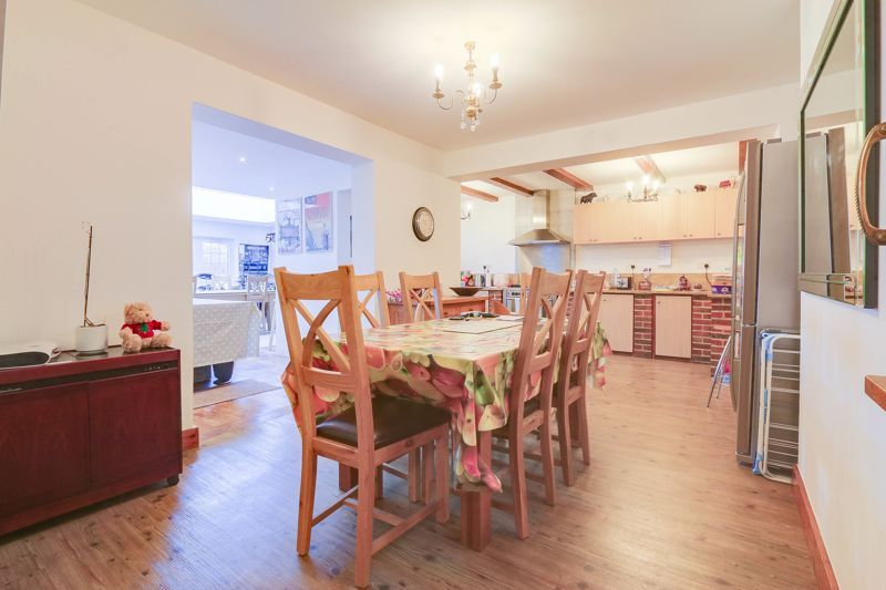 5 bed house for sale in Nork Way 9