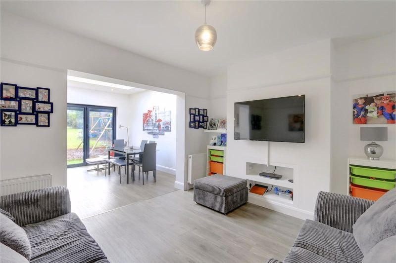 3 bed house for sale in Warren Road  - Property Image 4