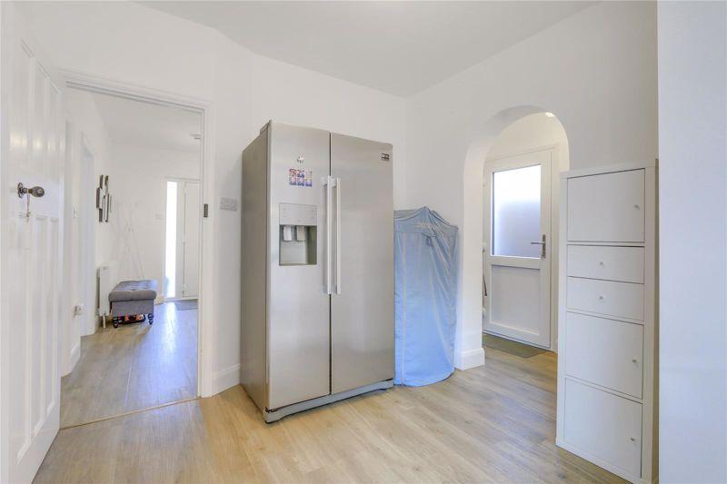 3 bed house for sale in Warren Road 9