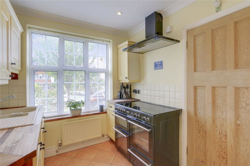 3 bed house for sale in Burgh Wood 6