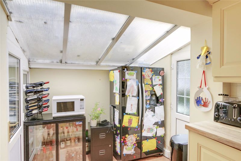 3 bed house for sale in Burgh Wood 8