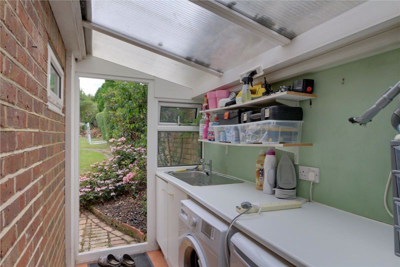 3 bed house for sale in Burgh Wood 9