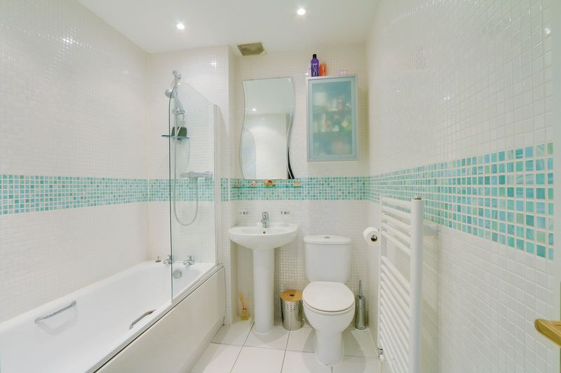 4 bed house for sale in Greenacres  - Property Image 12