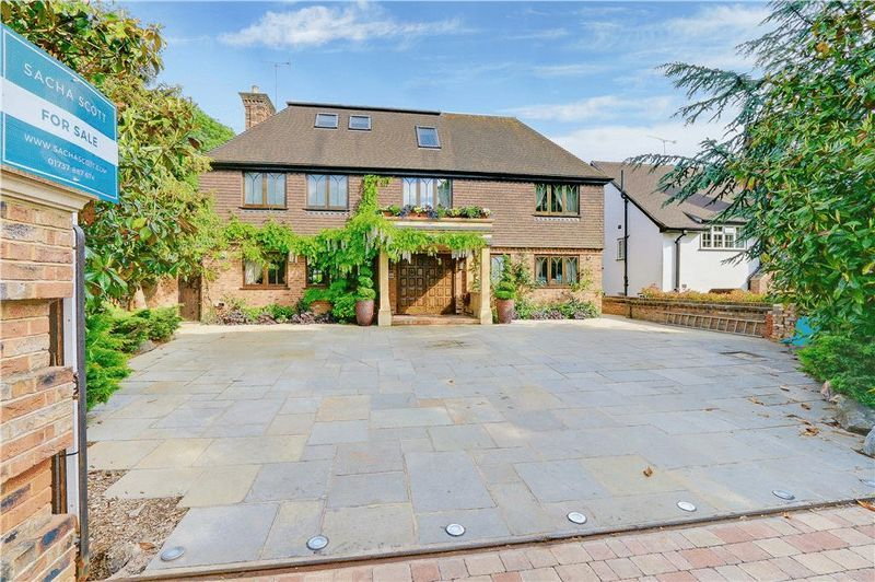 4 bed house for sale in Nork Way 1