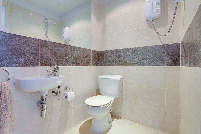 4 bed house for sale in Nork Way  - Property Image 25