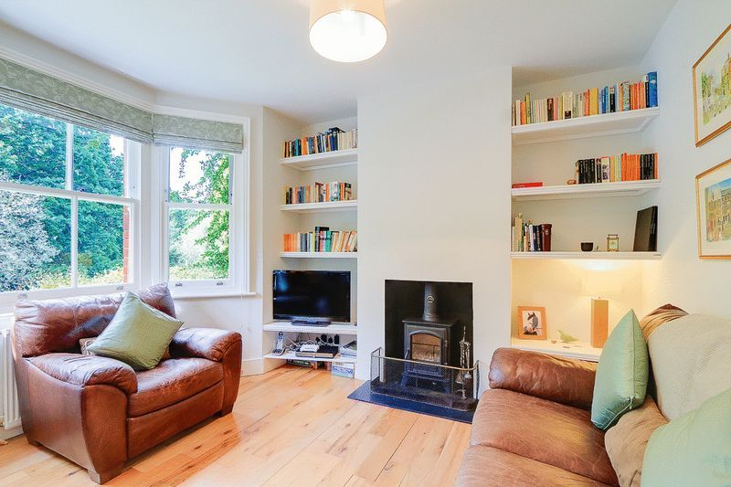 3 bed house for sale in Church Side 2