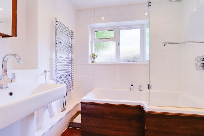 3 bed house for sale in Church Side 11