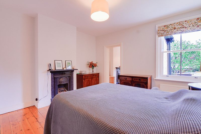 3 bed house for sale in Church Side 8