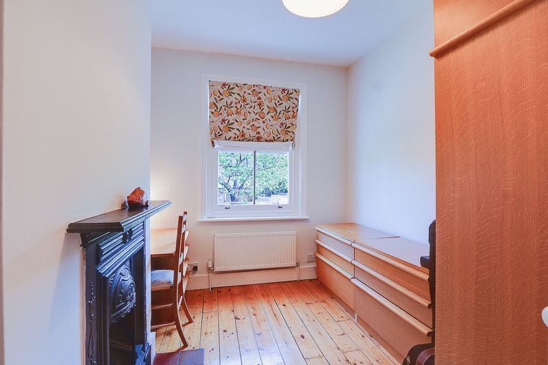 3 bed house for sale in Church Side 10