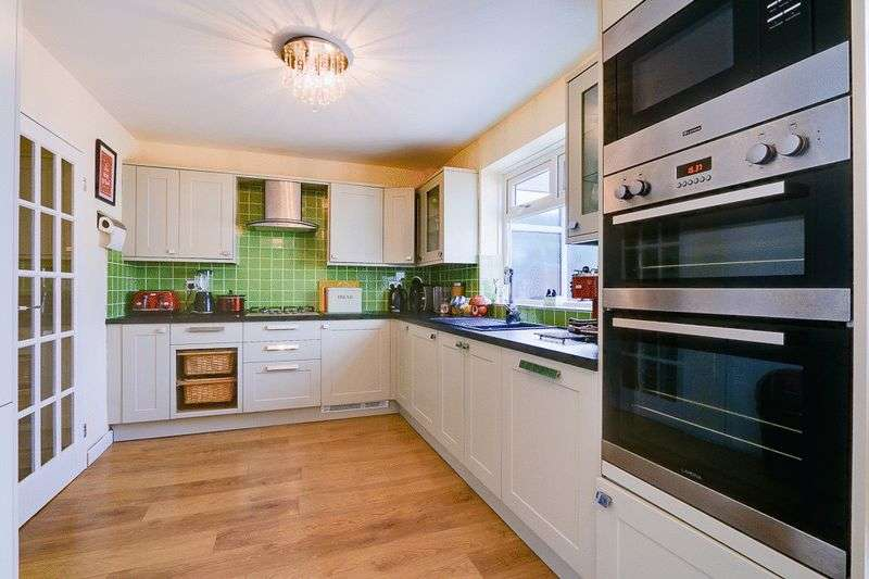 3 bed house for sale in Gale Crescent 3